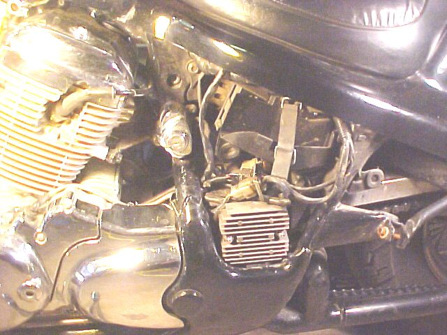 vlx_batt_01 tom's honda shadow vlx battery honda shadow fuse box location at edmiracle.co